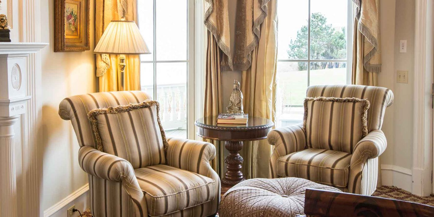 The Regency Guest Room is fashioned from the reign of King George III through the reign of King George IV and as such has been adorned with décor and amenities fit for kings and queens