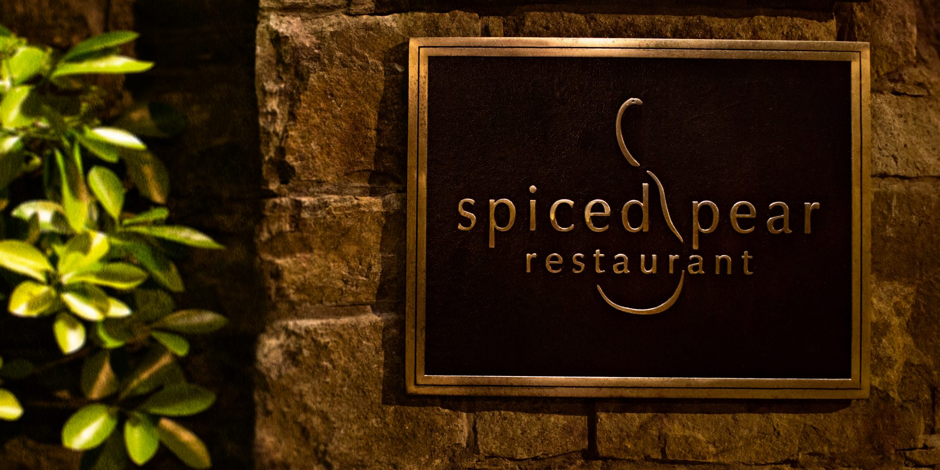 spiced pear restaurant at the chanler at cliff walk