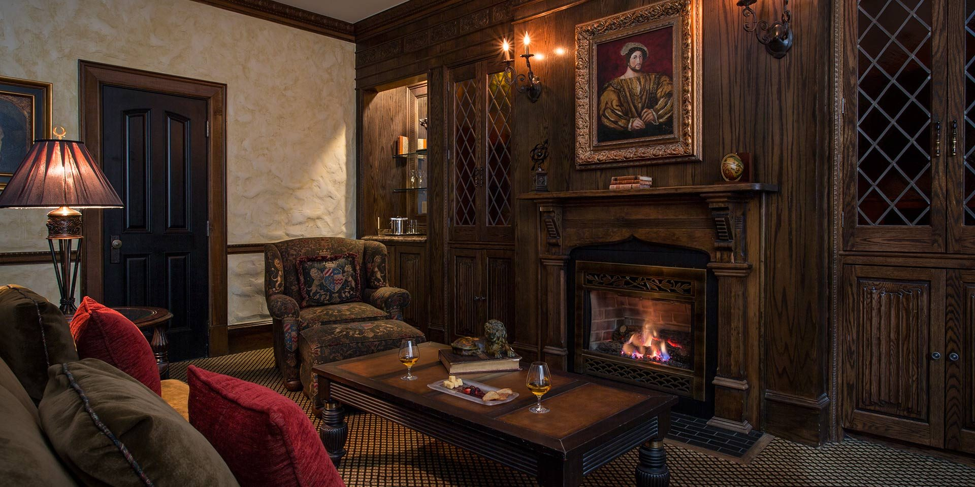 english tudor room at the chanler