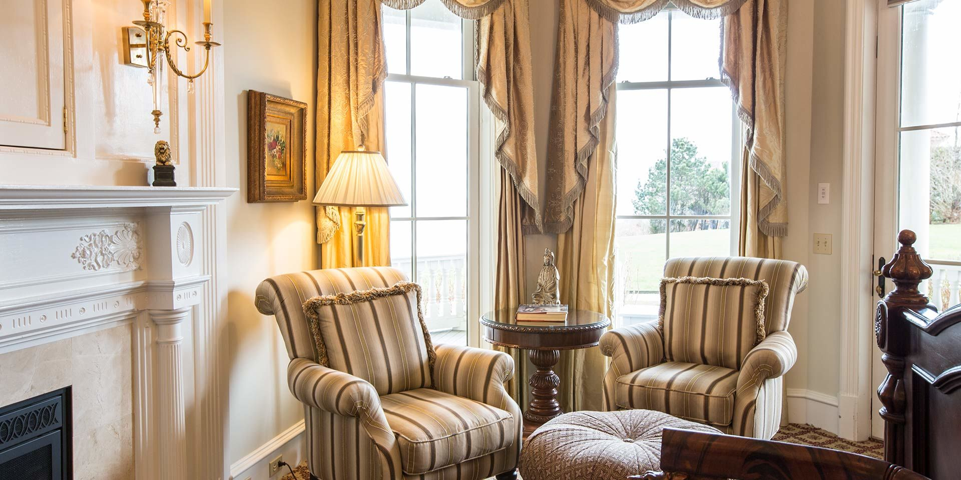 Sitting area of the Regency Guest Room